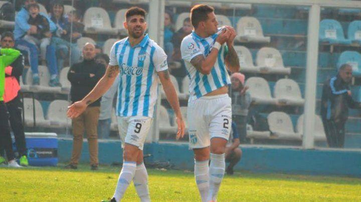 Atlético Tucumán superó a Godoy Cruz y dejó a Bernardi en la cuerda floja