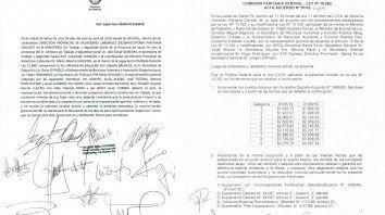 Las actas firmadas por docentes, estatales y funcionarios provinciales en abril de este año.