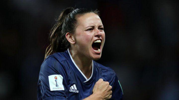 Se celebra el primer Día de la futbolista