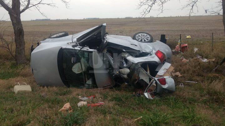 Así quedó el automovil tras el accidente.
