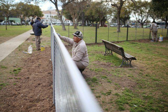 Construyen el primer canil para mascotas en la Plaza del Rosario