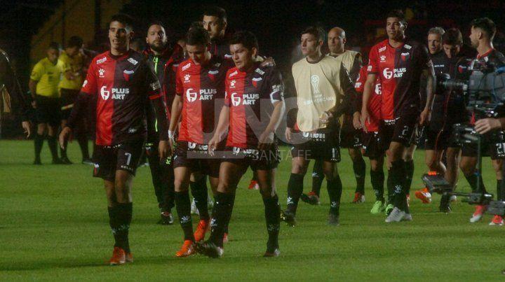 Colón, un equipo de mandíbula floja en este arranque de la Superliga