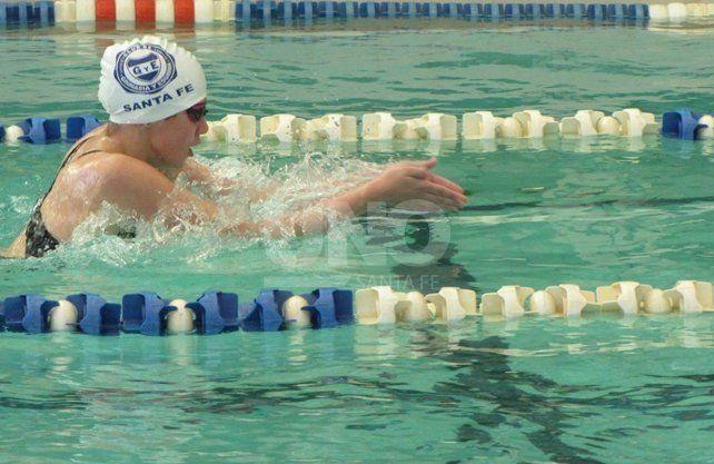 Brillante competencia de natación en Gimnasia