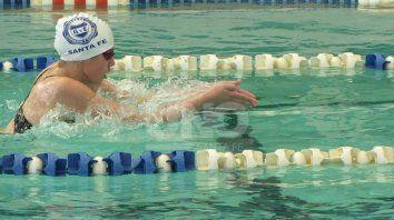 brillante competencia de natacion en gimnasia