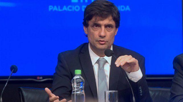 EN VIVO: en medio de la disparada del dólar, Lacunza brinda una conferencia