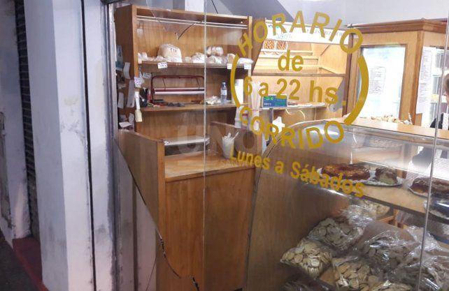 La panadería blanco de los delincuentes.