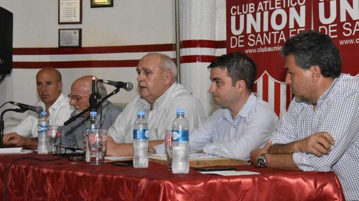 Spahn convocó a una reunión al resto de las agrupaciones