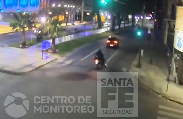 El auto escapando por bulevar y Rivadavia