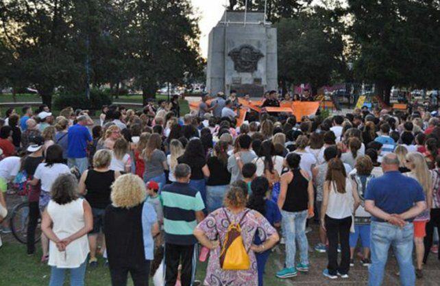 La ciudad de San Jorge en una movilización por reclamos frente a la problemática de suicidios.