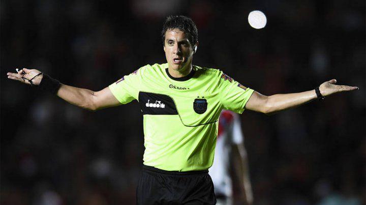 Pablo Echavarría dirigirá el cruce entre Colón y Atlético Tucumán