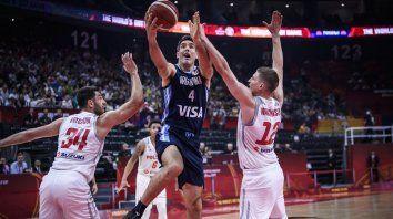 argentina aplasto a polonia y chocara ante serbia en cuartos de final