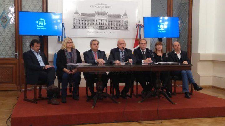 Lifschitz: Que el gobierno nacional se haga cargo de la crisis económica y social que generó