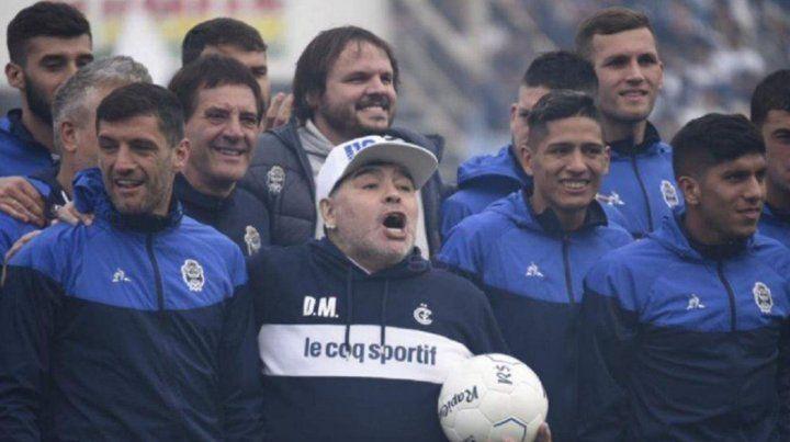 Con la ausencia de Maradona, el plantel de GyE volvió a los trabajos