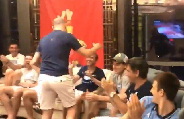 Mirá cómo festejó la Selección Argentina su llegada a Tokio
