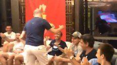 mira como festejo la seleccion argentina su llegada a tokio
