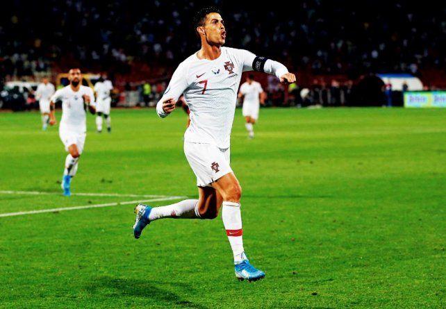 Cuarteto de Cristiano Ronaldo en la goleada de Portugal ante Lituania
