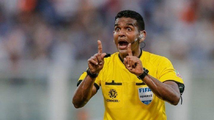 Un árbitro venezolano dirigirá a Colón ante el Atlético Mineiro