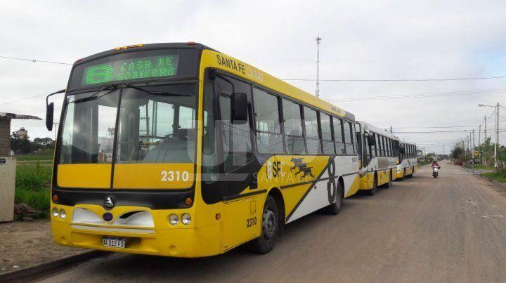 La Línea 8 en alerta por un violento asalto a un chofer y pasajeros