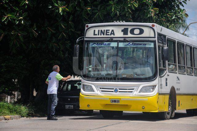 Corral confirmó que los empresarios del transporte urbano solicitaron subir la tarifa