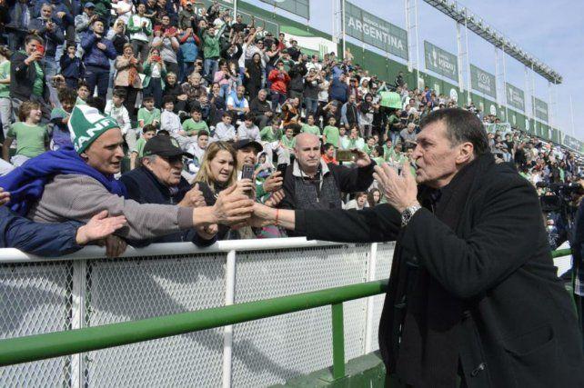Julio Falcioni dejará de ser el técnico para pasar a ser el mánager de Banfield