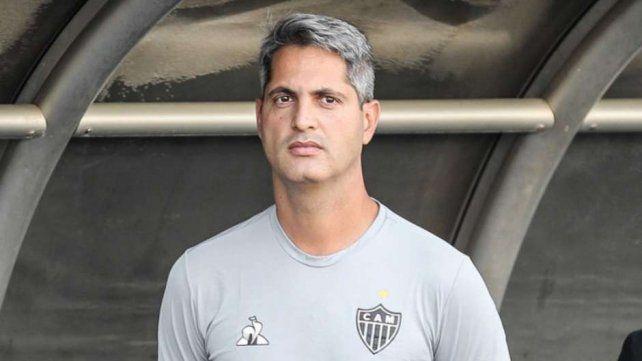El ultimátum que le dieron al DT del Mineiro para la serie ante Colón
