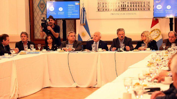 El gobernador analizó la realidad económica con referentes empresariales