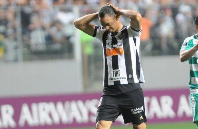 Otra baja de peso en Atlético Mineiro para el duelo ante Colón