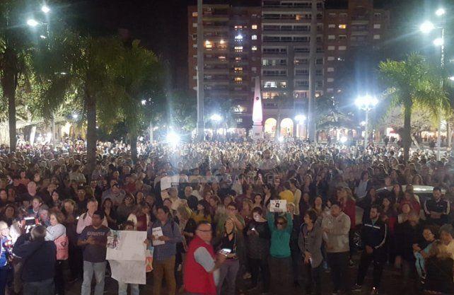 Multitudinaria marcha pidiendo justicia por la muerte de Julio Cabal
