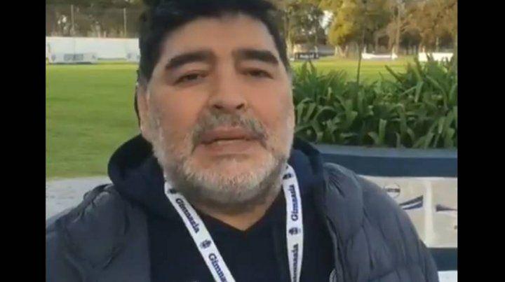 Diego Maradona arengó a Los Pumas