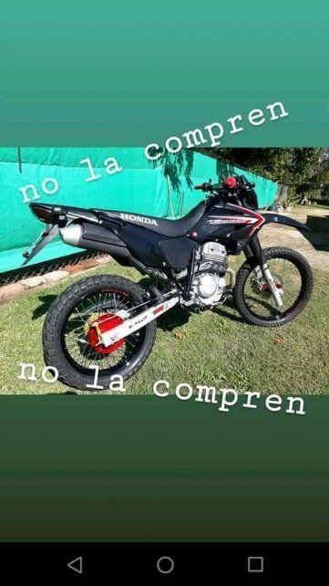 Posteo realizado en redes sociales alertando sobre la moto de Maxi Olmos, la cual le robaron cuando le queitaron la vida.