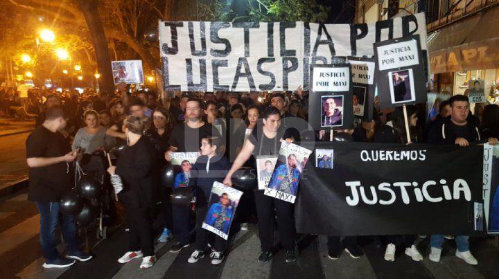 Marcha para pedir Justicia por Maximiliano Olmos.