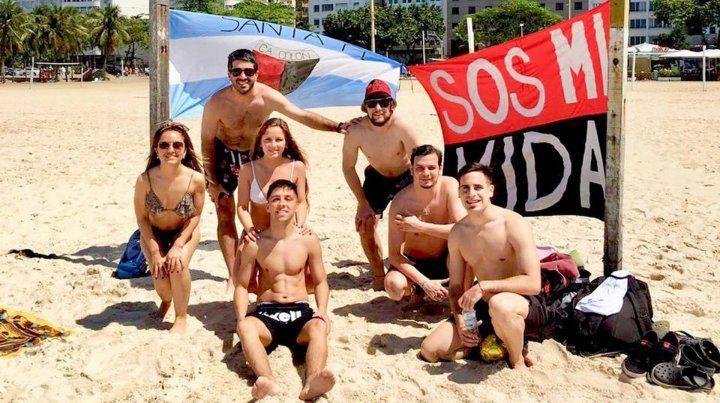 La caravana de hinchas de Colón se hace notar cada vez más en Brasil
