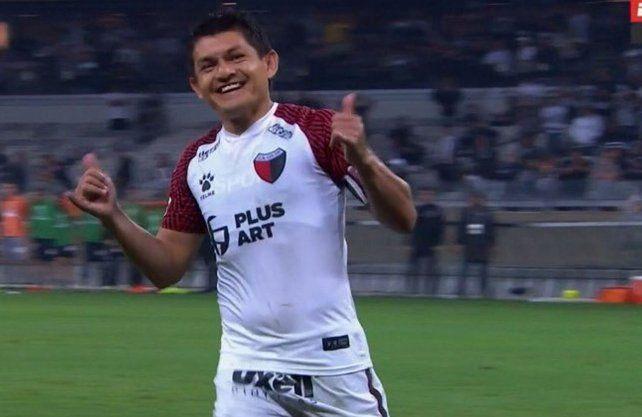 El VIDEO del magistral penal que pateó Pulga Rodríguez ante Mineiro