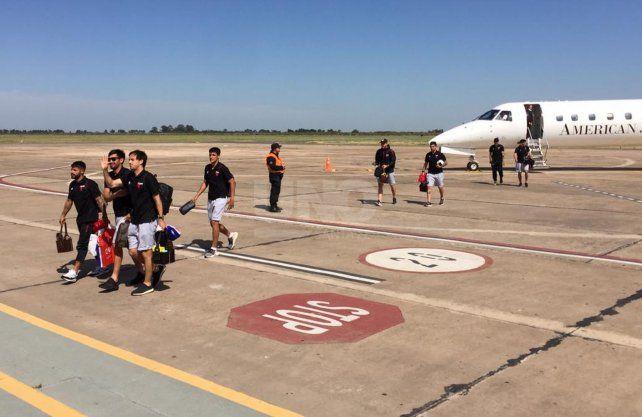 Así llegaba el plantel a Santa Fe después de llegar a la final en la Sudamericana.