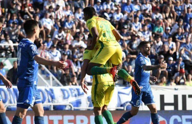 Defensa voló alto en Liniers contra Vélez