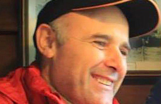 Claudio Kegalj tiene 50 años, es un experimentado parapentista y conocía muy bien la zona donde se extravió