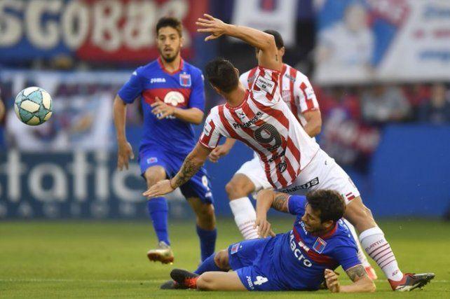 San Martín (T) dio la nota y venció a Tigre en Victoria