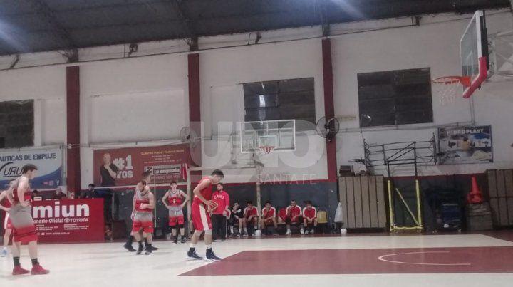 Unión A aseguró su ingreso a las semis del Torneo Oficial