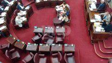 Los diputados del interbloque del PJ dejaron sus bancas en medio de la sesión.