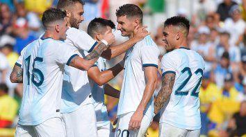 argentina goleo a ecuador con otro gol de lucas alario