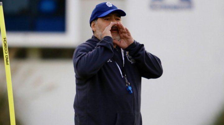 Maradona volvió a atacar con dureza a Riquelme