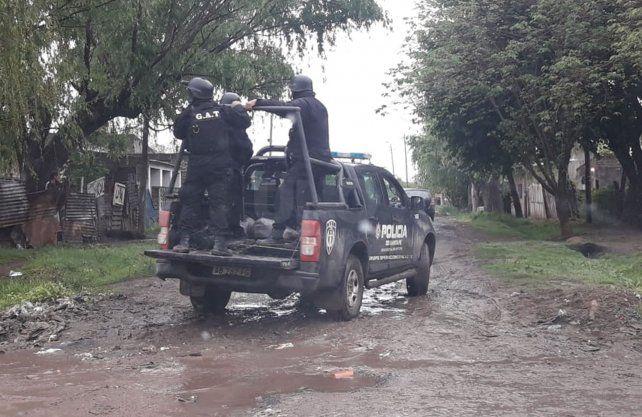 Los allanamientos se llevan adelante en distintos barrios del noroeste de la ciudad.