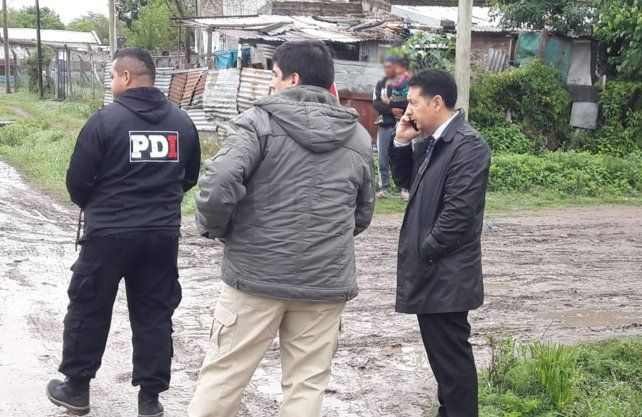 Los allanamientos se llevan adelante con la presencia del fiscal Giavedoni y Musuarana