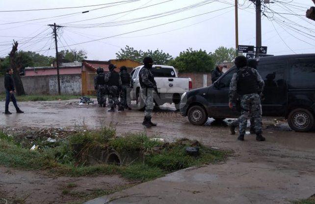 Los allanamientos que se llevan a cabo en los barrios del noroeste de la ciudad.
