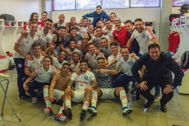 Argentinos dio el  golpe ante Independiente y es líder de la Superliga