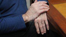 hay seis geriatricos que estan clausurados pero funcionan igual