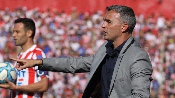 ¿Qué equipo parará Lavallén frente a River?