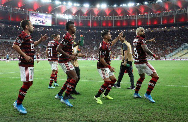 Flamengo aplastó a Gremio y definirá con River la Copa Libertadores