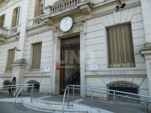Las sedes del organismo estarán abiertas para la entrega de los documentos.