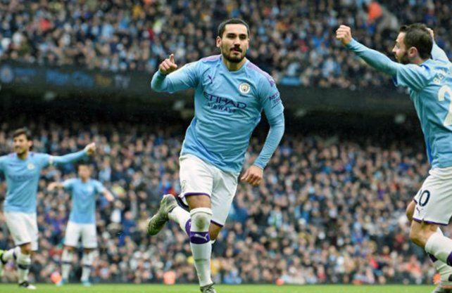 Manchester City goleó a Aston Villa y es escolta de Liverpool